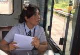貨車司機高速公路上突發中風撞車,女收費員救助贏得搶救時間