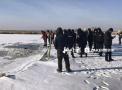 哈尔滨2人冰面坠河死