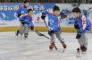 冰雪运动扎根北京中小学校园 激昂少年变身体育健将