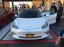 特斯拉在纽约交付第一辆带有车牌的Model3