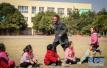 乡村教师患尿毒症坚持7年不减课:和孩子在一起最幸福