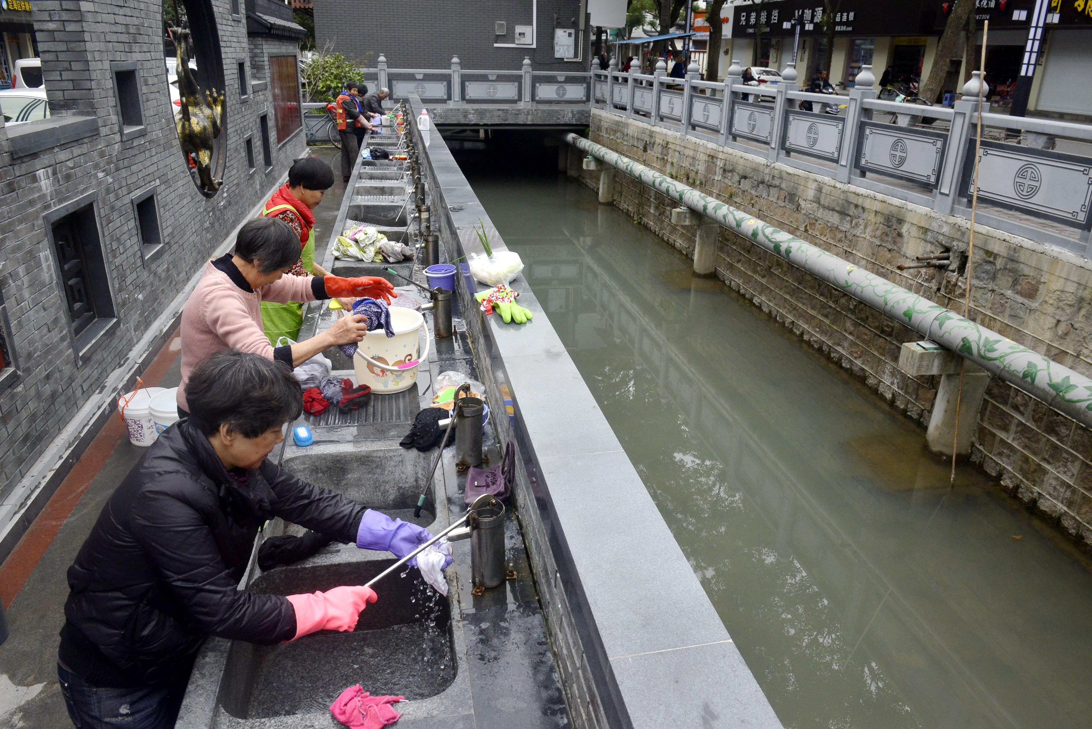 舟山启用洗衣平台:引流河水供居民使用,污水集中排放至废水池