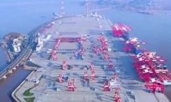 上海洋山深水港四期码头开港