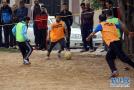 足球成为交流的工具