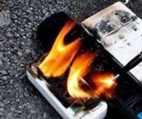 手机充完电不拔充电器,后果太严重!