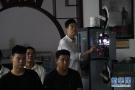 河北农民义务放电影 传承红色文化