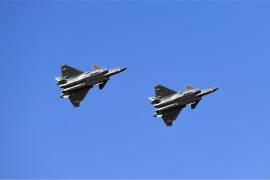 空军航空开放活动透射强国兴军新航迹