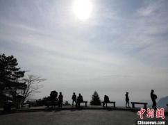 """江西婺源庐山等景区""""解冻"""" 全省390个景区对医护工作者免票"""
