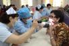天津市口腔醫院護士節前夕送健康進社區