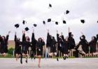 扔学位帽、穿学位袍的毕业传统从哪里来?