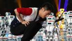 《出彩中国人》撒贝宁与机器人斗嘴皮子拼功夫险落败