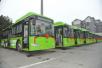 大连96名市民近距离接触新能源公交车 体验绿色出行