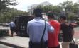 """杭州两家公司专骗老人""""投资""""储值卡、金银花,61人被抓"""