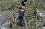 10年过去了,汶川地震中的这些军人身影请千万别忘记!