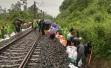 暴雨致成昆铁路乐山段发生水害,18趟旅客列车运行受阻