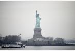 """印度""""世界最高塑像""""下月将完工 比自由女神像高一倍多"""