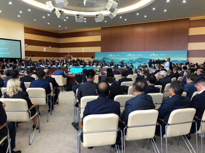 月星集团有限公司董事局主席丁佐宏在东方经济论坛中俄商务对话圆桌会议上