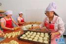 传统月饼VS奇葩月饼?河南偏爱枣泥和莲蓉蛋黄