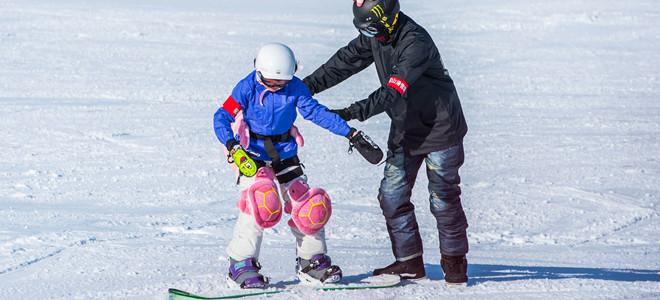 冰雪游玩正当时