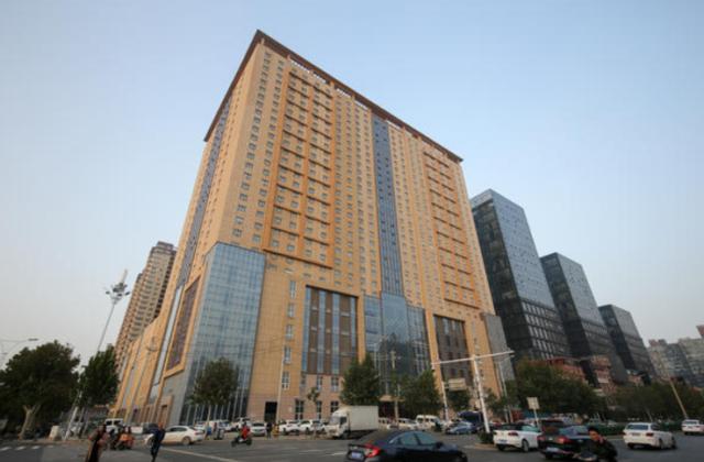 郑州万通国际大厦大楼已完工3年多 欠着的571万劳务费迟迟未付清